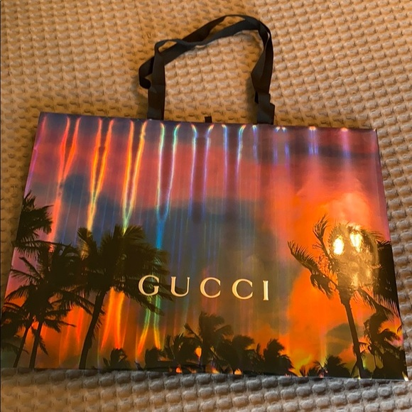 Special limited edition Gucci shopping bag